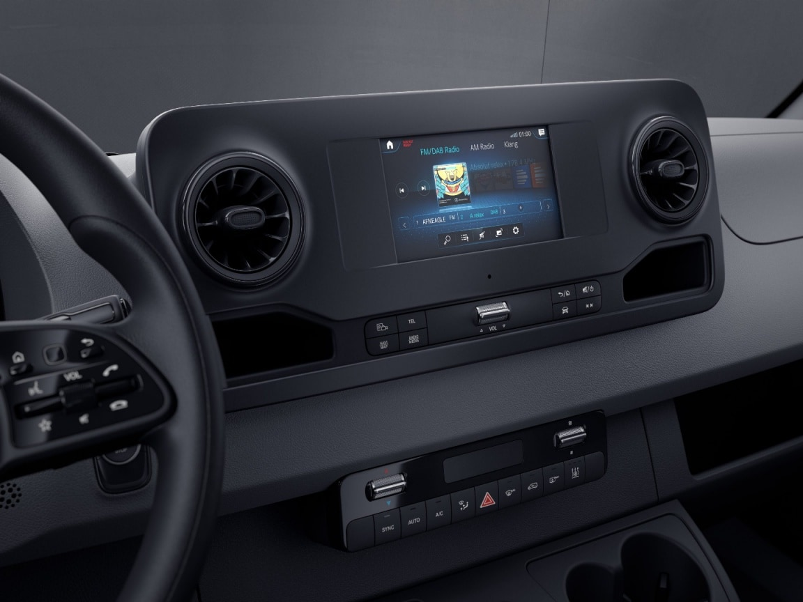 Sprinter Chassis Cab, MBUX multimedia system with 7-inch touchscreen